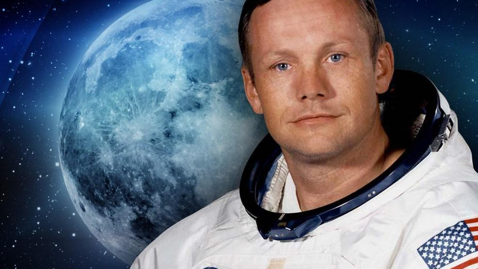Космонавт находящийся в открытом космосе фото фотокартинки